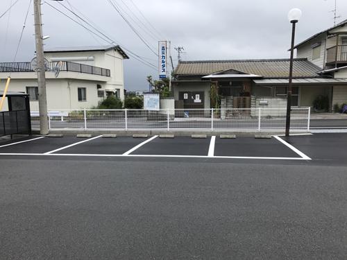 駐車場南から