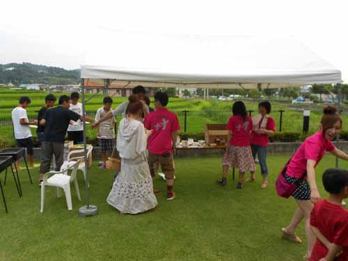 院長カメラファイル平成25年ガーデンパーティー縮小庭2